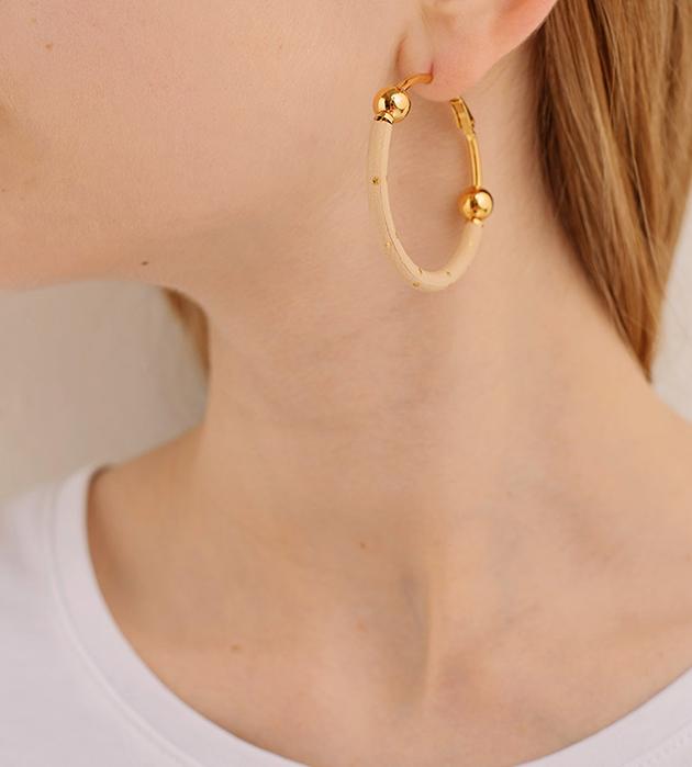 эффектные серьги из кожи в золотую крапинку от Chic Alors-Paris