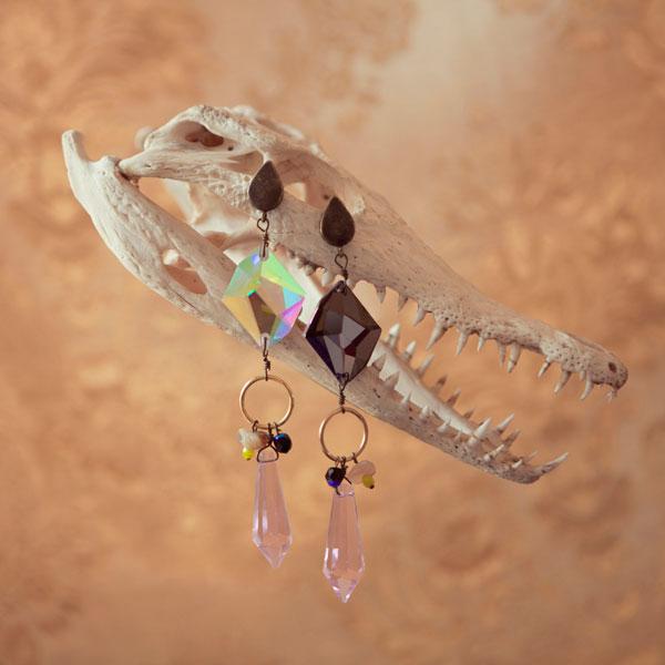 купите массивные серьги от MAVA HAZE