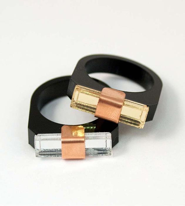 купите эффектное кольцо Sash Ring Black от Wolf&Moon