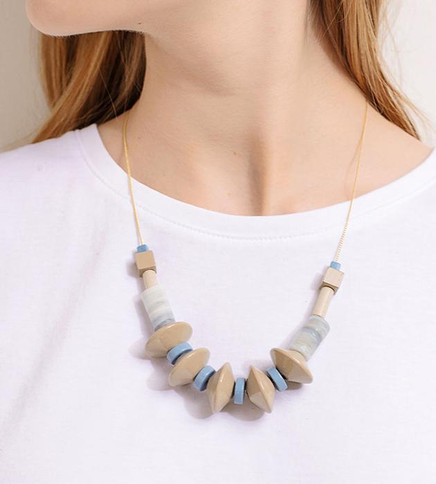 ожерелье из керамики и дерева пастельных цветов Ecru от Apres Ski