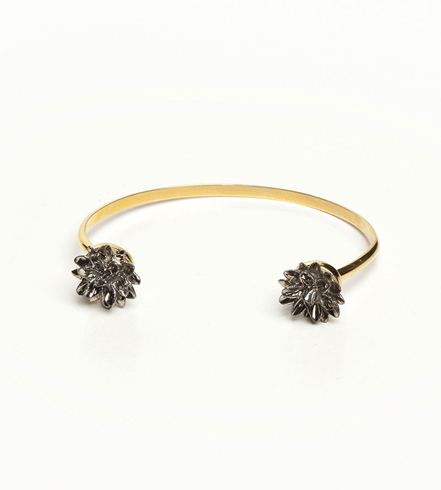 тонкий браслет из фарфора Double Flower Silver от ANDRES GALLARDO