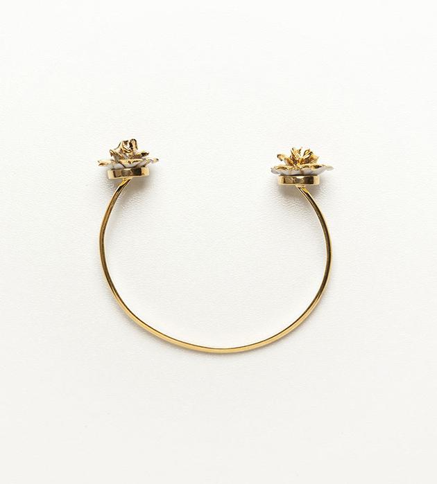 изящный браслет из фарфора Double Flower Gold от испанского бренда ANDRES GALLARDO