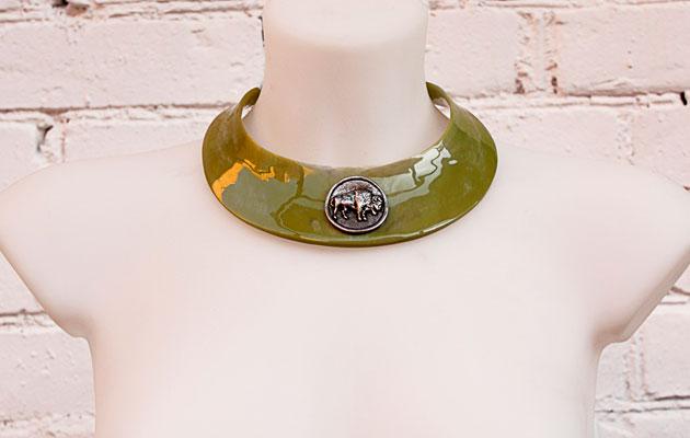 Чоккер женский колье-ошейник зеленого цвета Bimba & Lola купить фото