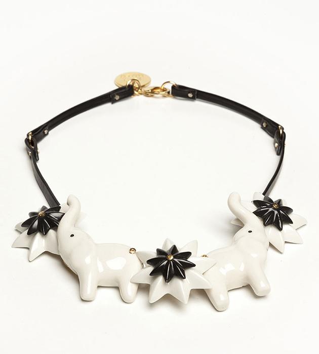 чёрно-белое украшение из кожи и фарфора Elephant Star от ANDRES GALLARDO