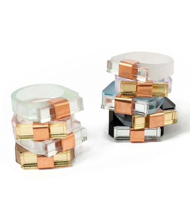 стильное кольцо из полированного плексигласа от английского бренда Wolf&Moon - Sash Clear