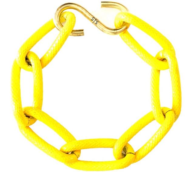 купите неоново-желтый браслет от Sister Sister Project