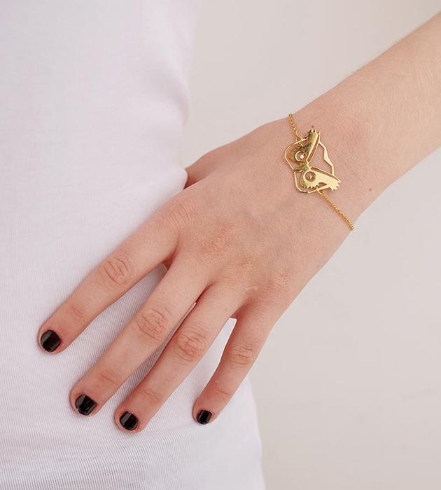золотой браслет с анималистичной подвеской Hibou от Chic Alors-Paris