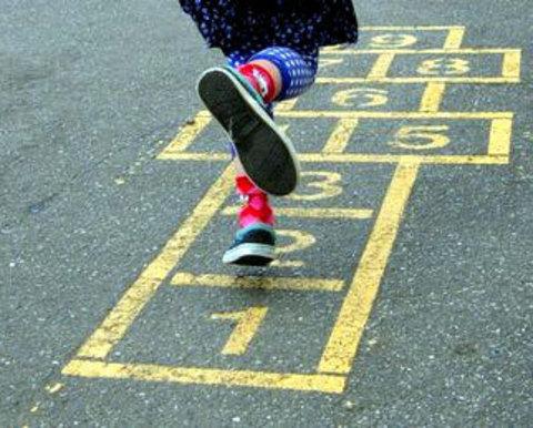5 лучших девчачьих игр на свежем воздухе