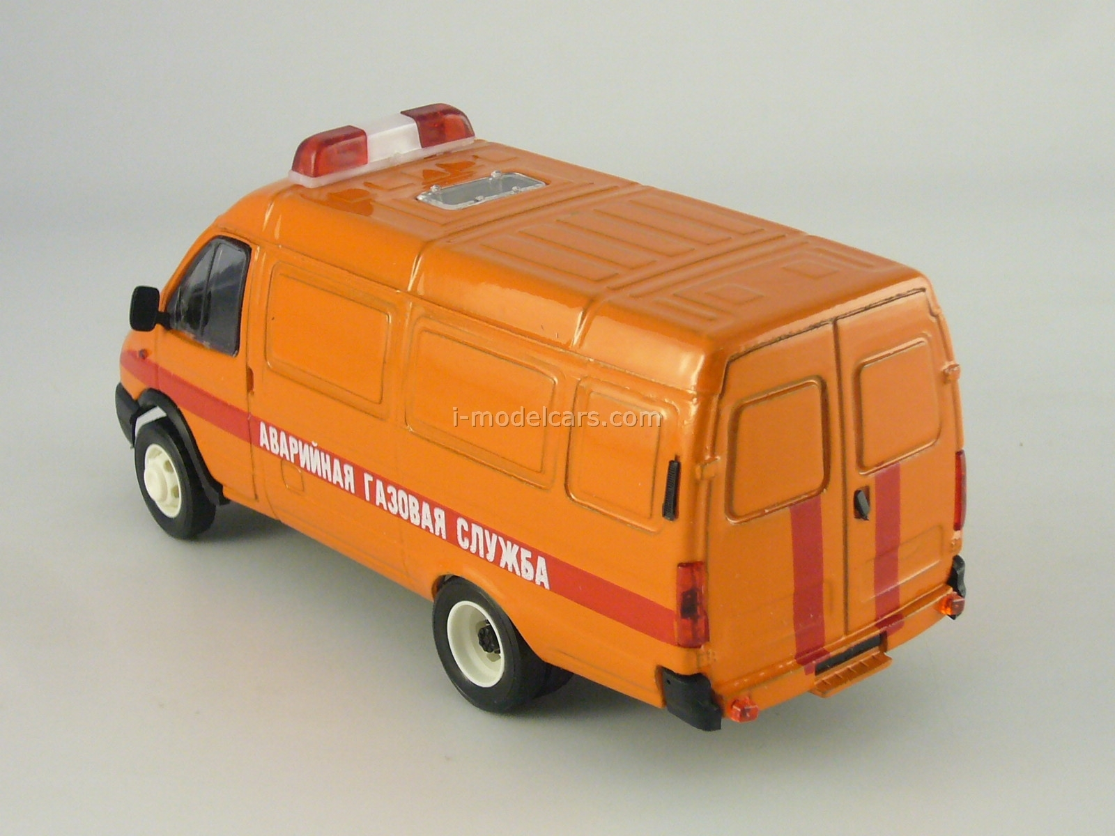 GAZ-2705 Gazelle van Emergency Service 1:43 Agat Mossar Tantal