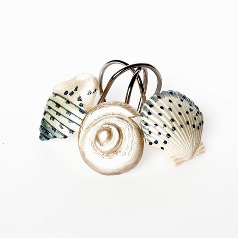 Набор из 12 крючков для шторки Hampton Shells от Avanti