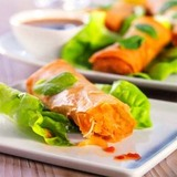 https://static12.insales.ru/images/products/1/1325/38356269/compact_vegetable_spring_rolls.jpg
