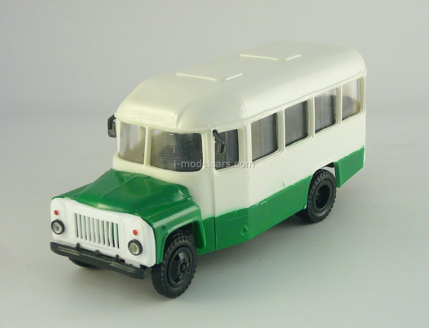 KAVZ-3270 Bus white-green Kompanion 1:43