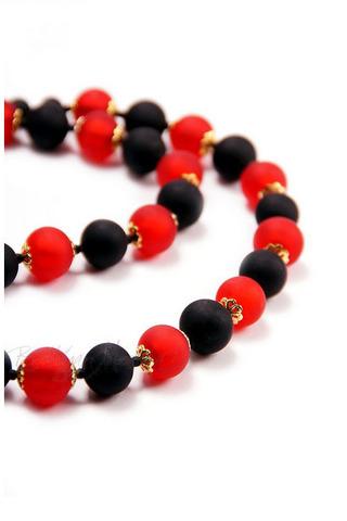 Ожерелье Domino красно-черное матовое