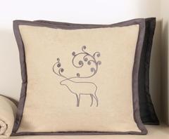 Наволочка декоративная 42х42 Luxberry Deer бежевая