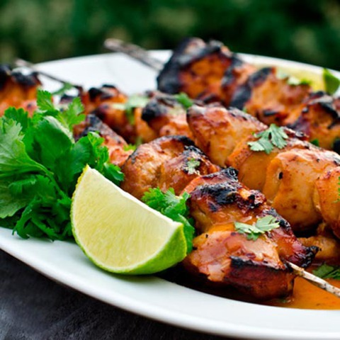 https://static12.insales.ru/images/products/1/1638/36374118/grilled_chicken_with_lime_chili_sauce.jpg