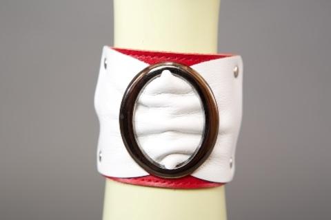 Браслет красно-белый с овальной пряжкой  (6 см)