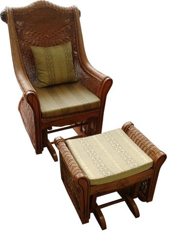 Кресло-качалка с пуфиком