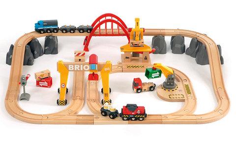 33097 BRIO Деревянная железная дорога с мостовым краном Люкс (со световыми и звуковыми эффектами, на батарейках)