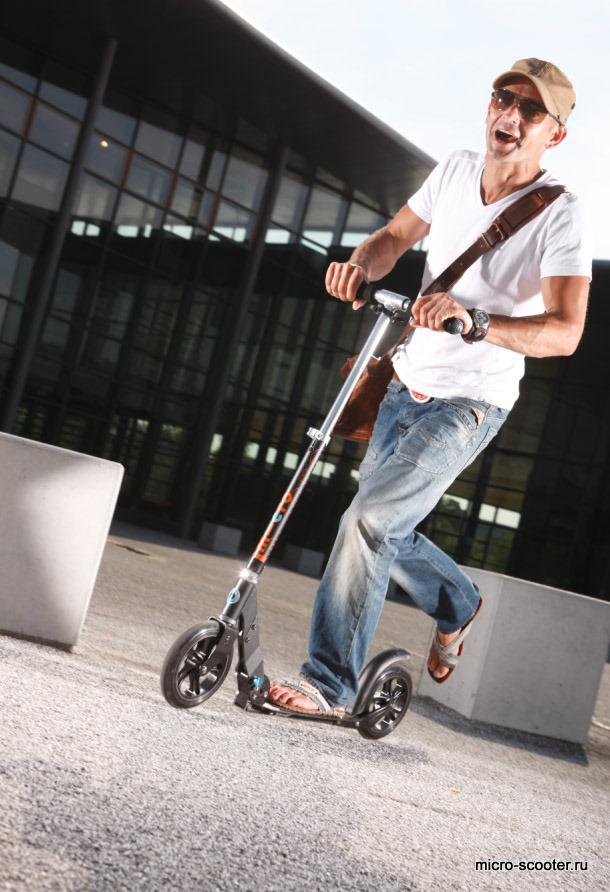 micro-scooter Micro Black. Двухколесный самокат для взрослых.