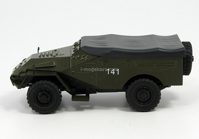 BTR-40 Bronetransporter khaki 1:43 DeAgostini Auto Legends USSR #121