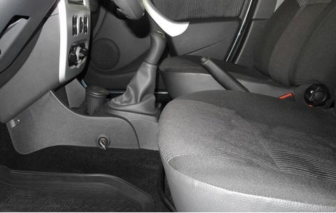 Гарант Консул 33022.L для RENAULT SANDERO STEPWAY /2011-2014/ М5 R-назад