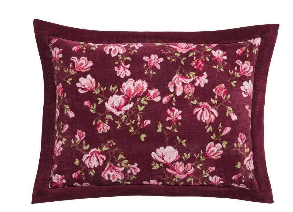 Декоративные подушки Наволочка 50х70 Feiler Magnolia 114 weinrot elitnaya-navolochka-dekorativnaya-shenillovaya-magnolia-114-weinrot-ot-feiler-germaniya.jpg