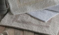 Элитный коврик для ванной Newcastle белый от Casual Avenue