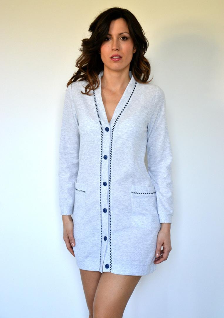 Короткий халат на пуговицах B&B (Женские халаты)