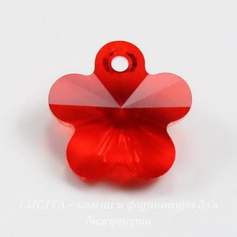 6744 Подвеска Сваровски Цветочек Light Siam (12 мм) ()