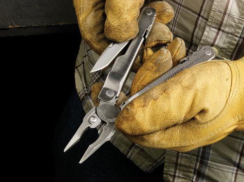 Мультитул Leatherman SuperTool 300 кожаный чехол