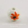 """Бусина фарфоровая шарик """"Оранжевые цветы на белом фоне"""", 12 мм"""