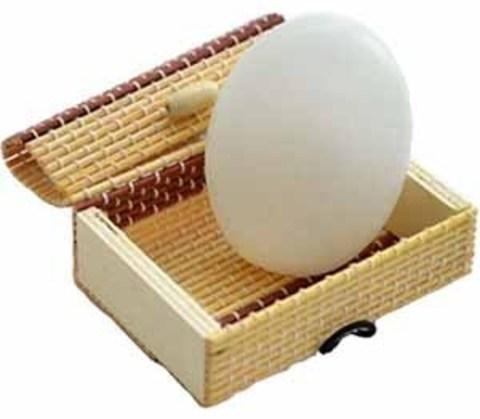 Минеральный квасцовый дезодорант «Кристалл свежест軶(Форма овального мыла в бамбуковой коробке, 90-95 г, плавл. чист.)