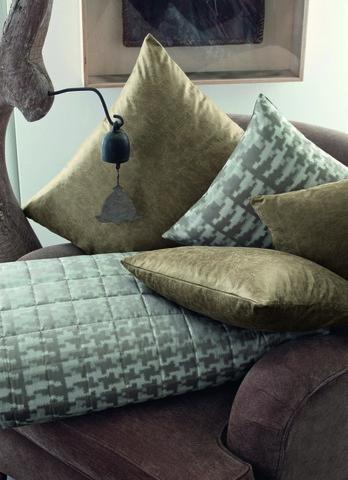 Элитная подушка декоративная West End коричневая от Svad Dondi