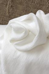 Дополнительно купить льняные кружева и льняные ткани-компаньоны можно в магазине ЛиноБалт.