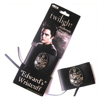 Что за браслет на эдварде