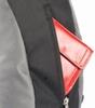 небольшой карман спереди