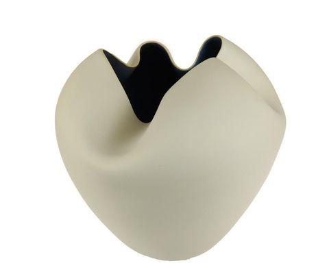 Элитная ваза декоративная Ductile низкая от S. Bernardo