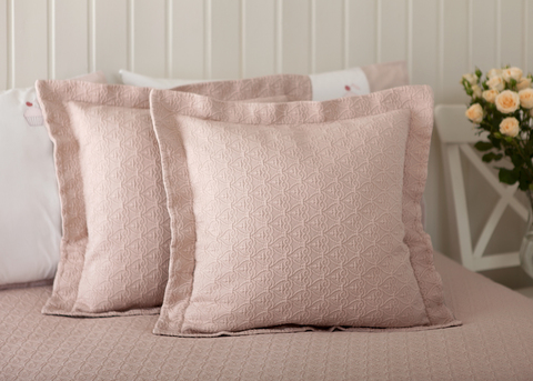 Элитная наволочка декоративная English Style розовая от Luxberry