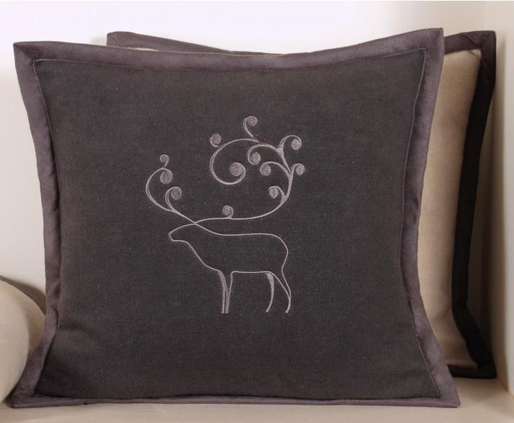 Декоративные наволочки Наволочка декоративная 42х42 Luxberry Deer серая elitnaya-navolochka-dekorativnaya-deer-seraya-ot-luxberry-portugaliya.jpg