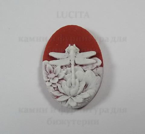 "Камея ""Стрекоза в цветах "" белого цвета на бордовом фоне 25х18 мм ()"