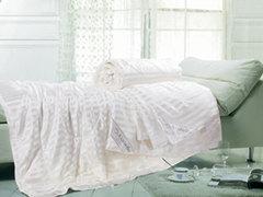 Одеяла Asabella шелковое в шелке.