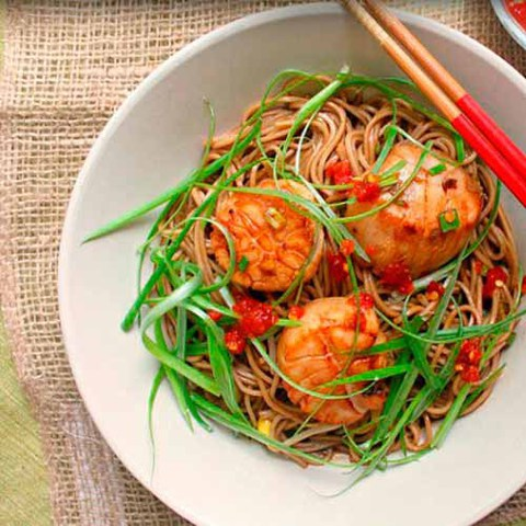 https://static12.insales.ru/images/products/1/4111/37875727/scallops_with_soba_noodles.jpg