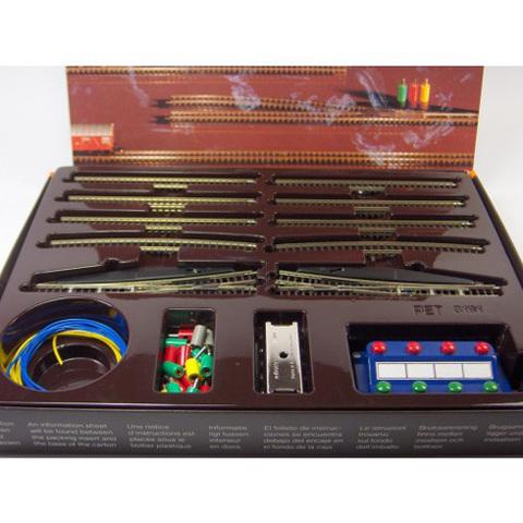 Набор рельс Е2 с электрическими стрелками MARKLIN 8191