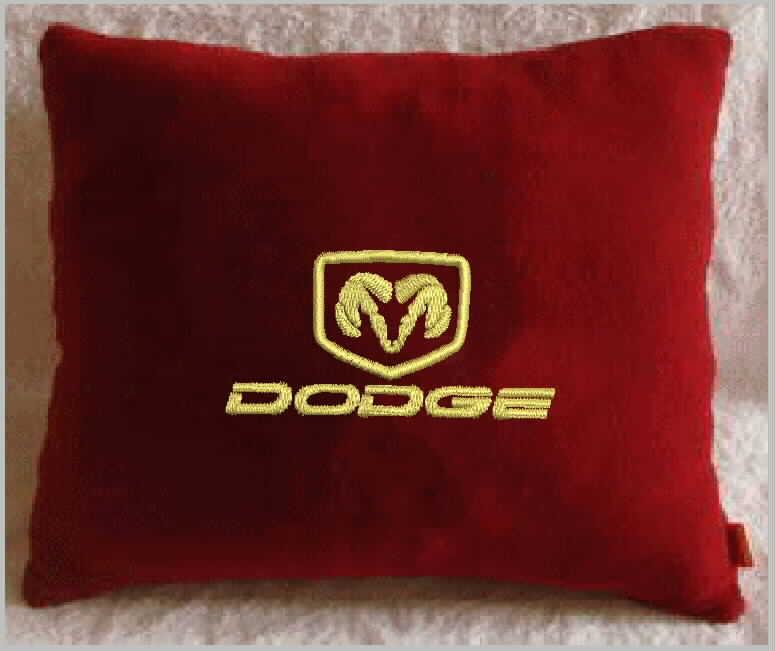 Подушка автомобильная с логотипом DODGE