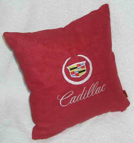 Подушка автомобильная с логотипом CADILLAC