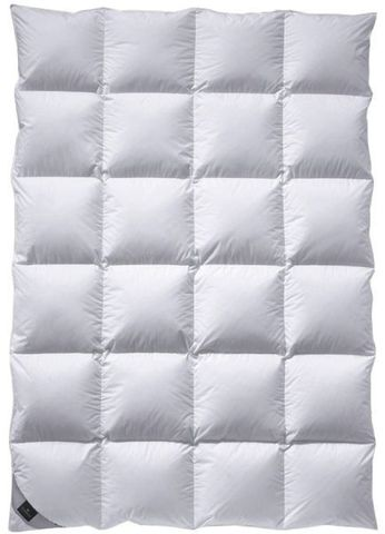 Элитное одеяло 155х200 Colina Superlight от Billerbeck