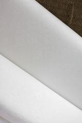 Ткань натуральная, с жаккардовым переплетением, рисунок : ромб белый
