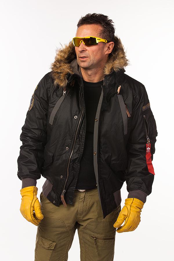 Куртка - пилот зимняя - Mountain Jacket (черная - black)