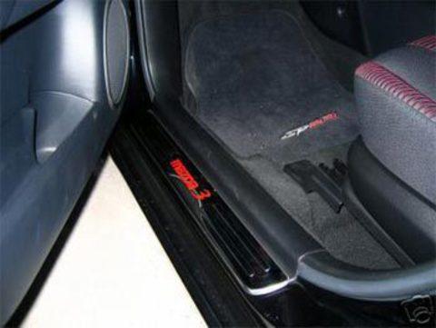 Светящиеся накладки порогов Mazda 3 (red light, all chrome)