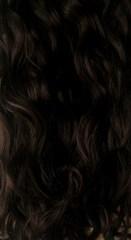 Вьющиеся волосы оттенок #1B-темный коричневый с черным отливом